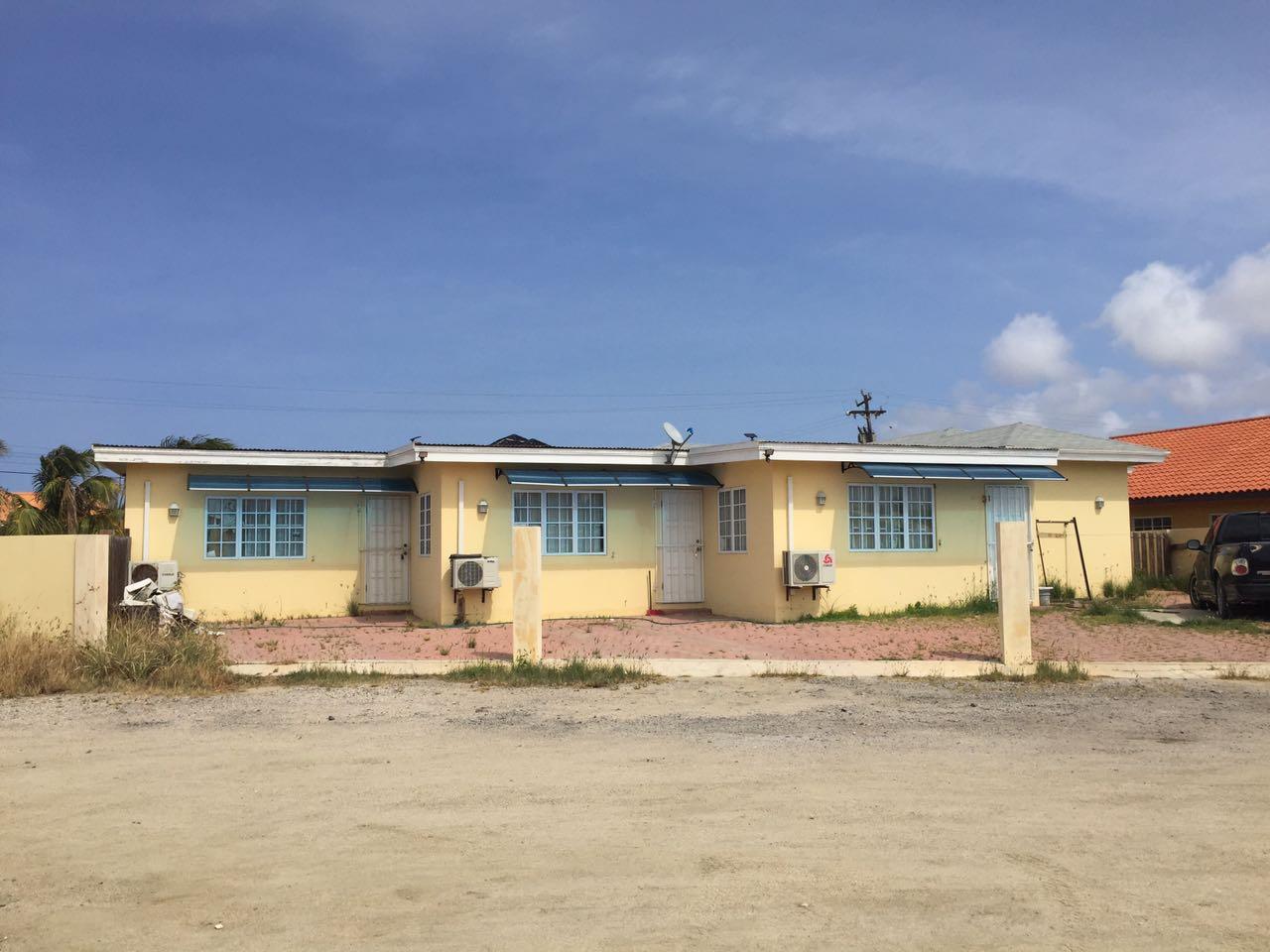 Home with 3 apartments Sabana Liber