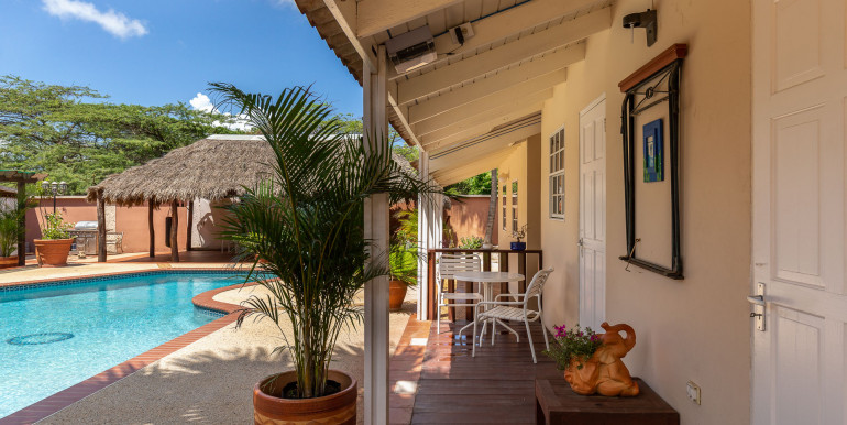 Aruba affordabe Pool Apartment