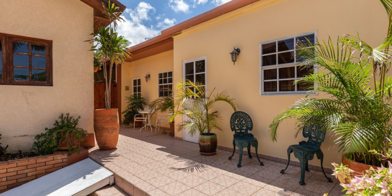 Aruba Wanderlust Pool Apartment #1 & #2
