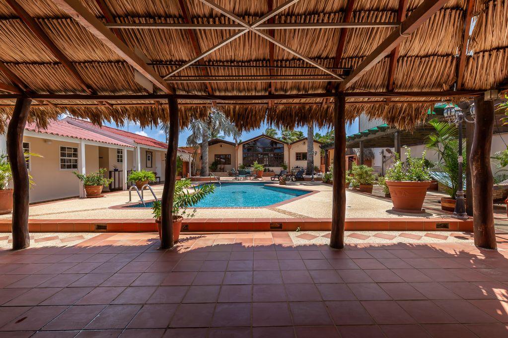 Aruba Wanderlust pool apartment #2